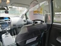 Separatori plexiglas protettivi per taxi